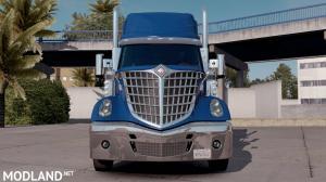 Chrome bumper for the International LoneStar, 1 photo