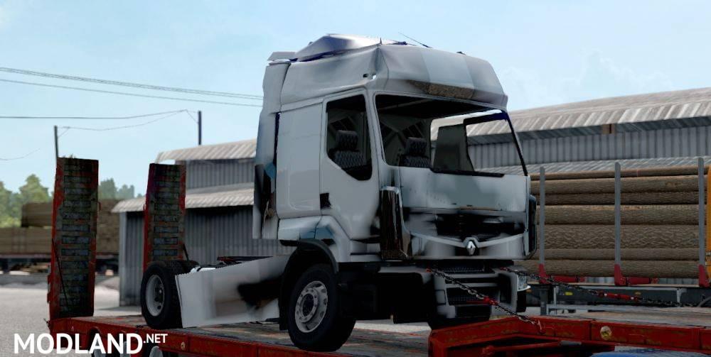 Broken Renault Premium cargo